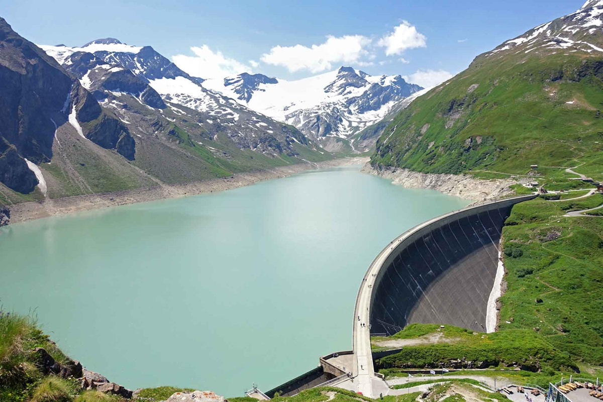 Dam and water collection in the mountains
