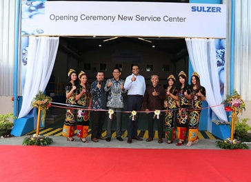 Management happy to officially open the new Balikpapan service center.