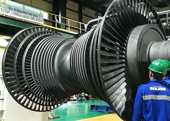 Steam turbine rotor balancing before assembly.
