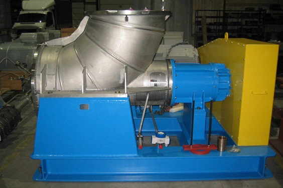 Evaporator circulation pump type CAHRM750K in workshop prior to packing (2010).