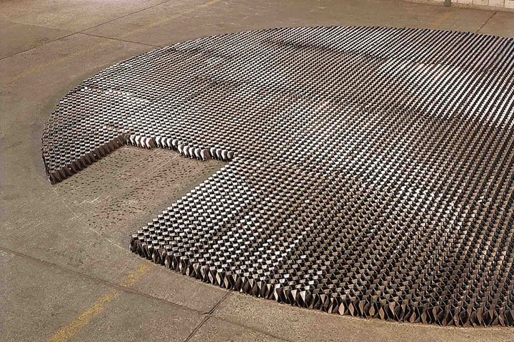 Structured grid packing on a floor
