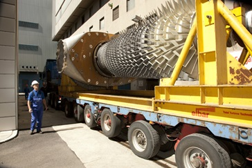 Gas turbine rotor arriving on site
