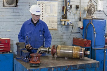 We offer a full range of services such as the overhaul of an AC or DC traction motor
