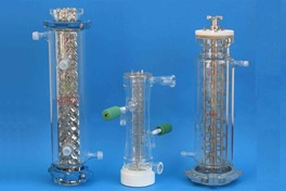Three mini pilot columns for testing liquid-liquid extraction