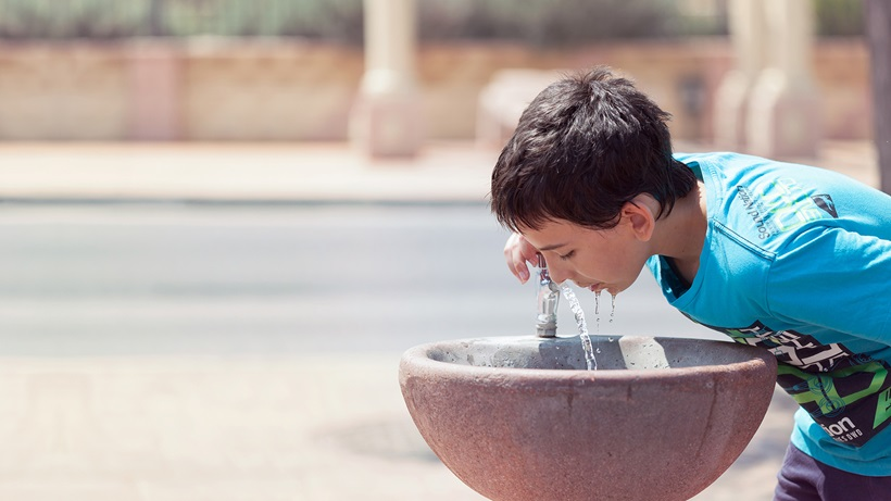 Fresh water for people in a desert city