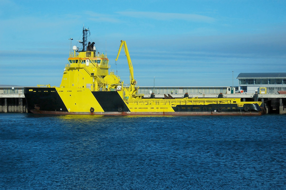 Icebreaker in the harbor of Aberdeen