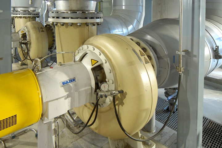 AHLSTAR end suction single stage process pump in an evaporation plant