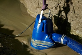 Submersible drainage pump XJ at work in a tunnel construction